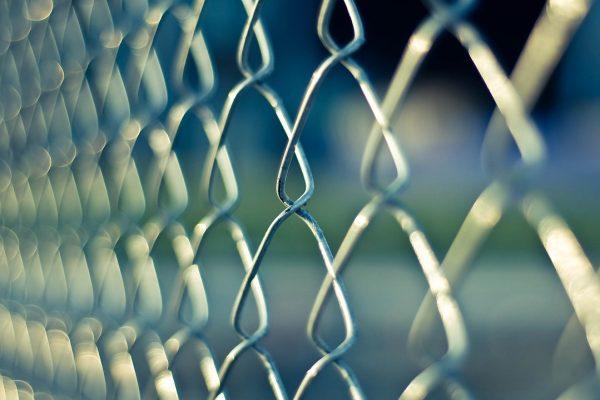 praca w więzieniu wymagania